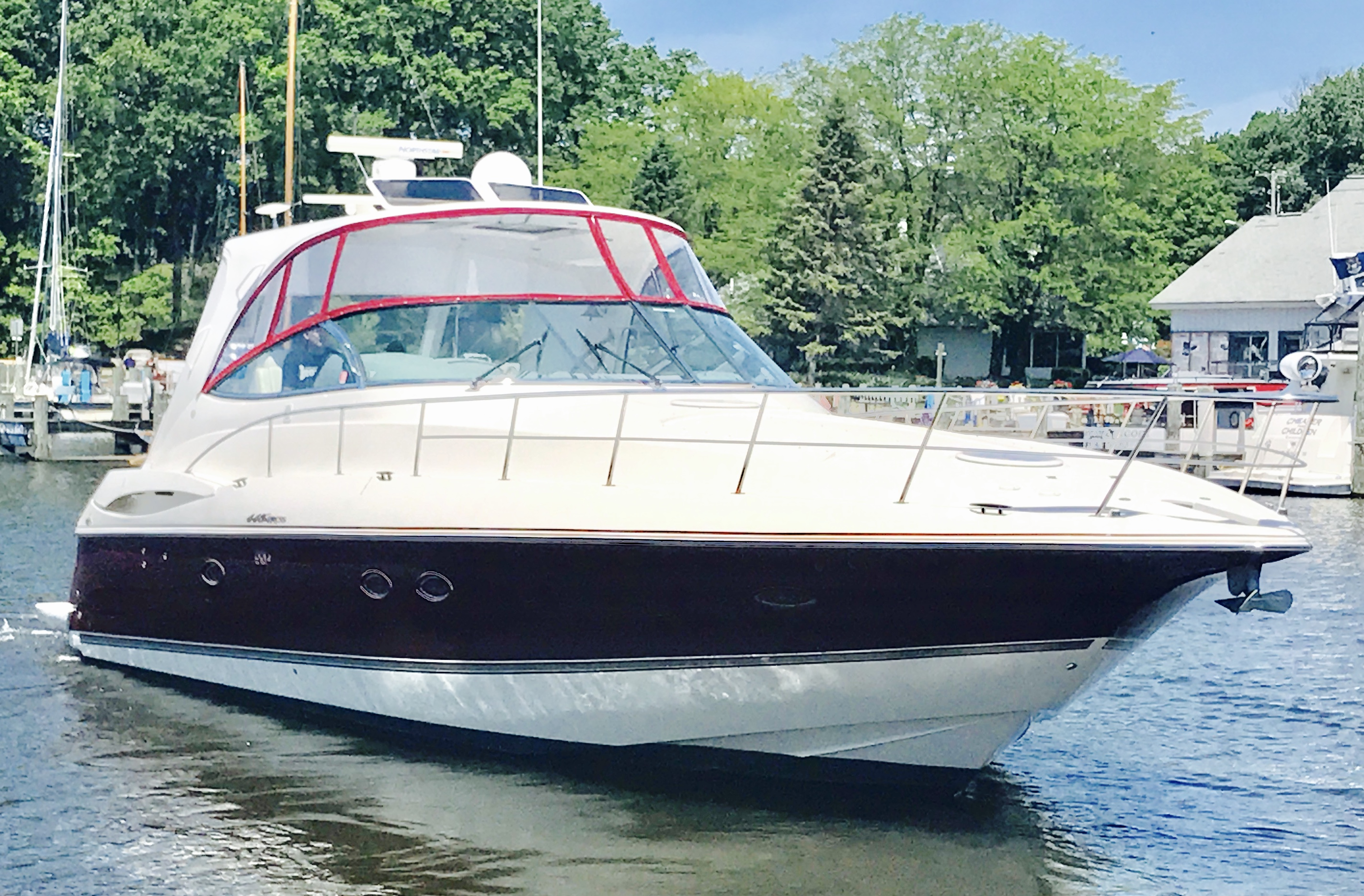 44 Cruisers Yachts 2005 South Haven | Denison Yacht Sales
