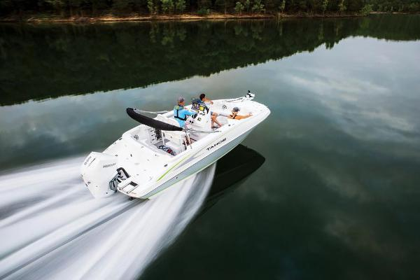 2021 Tahoe boat for sale, model of the boat is 2150 CC & Image # 12 of 132