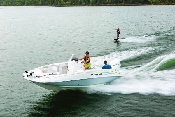 2021 Tahoe boat for sale, model of the boat is 2150 CC & Image # 19 of 132