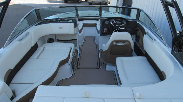 2021 Cobalt boat for sale, model of the boat is 220S & Image # 5 of 13