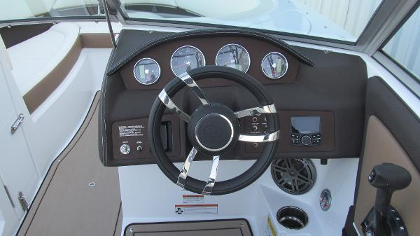 2021 Cobalt boat for sale, model of the boat is 220S & Image # 6 of 13