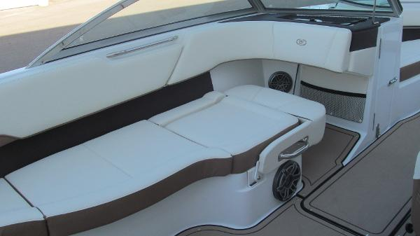 2021 Cobalt boat for sale, model of the boat is 220S & Image # 7 of 13