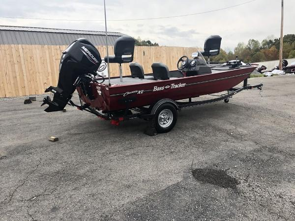 2020 Tracker Boats boat for sale, model of the boat is BASS TRACKER® Classic XL & Image # 2 of 22