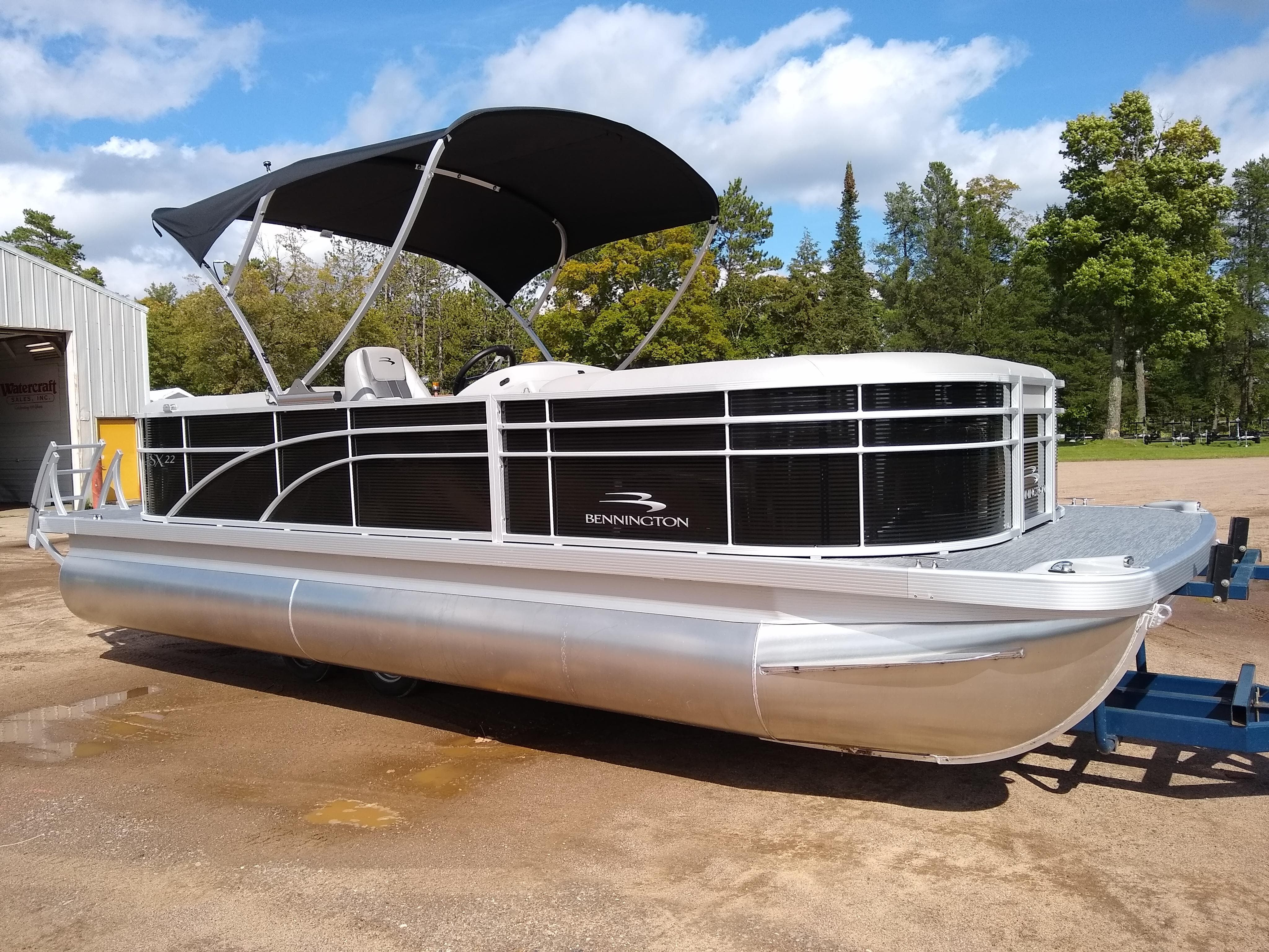 2020 Bennington boat for sale, model of the boat is SX Series 22 & Image # 2 of 14