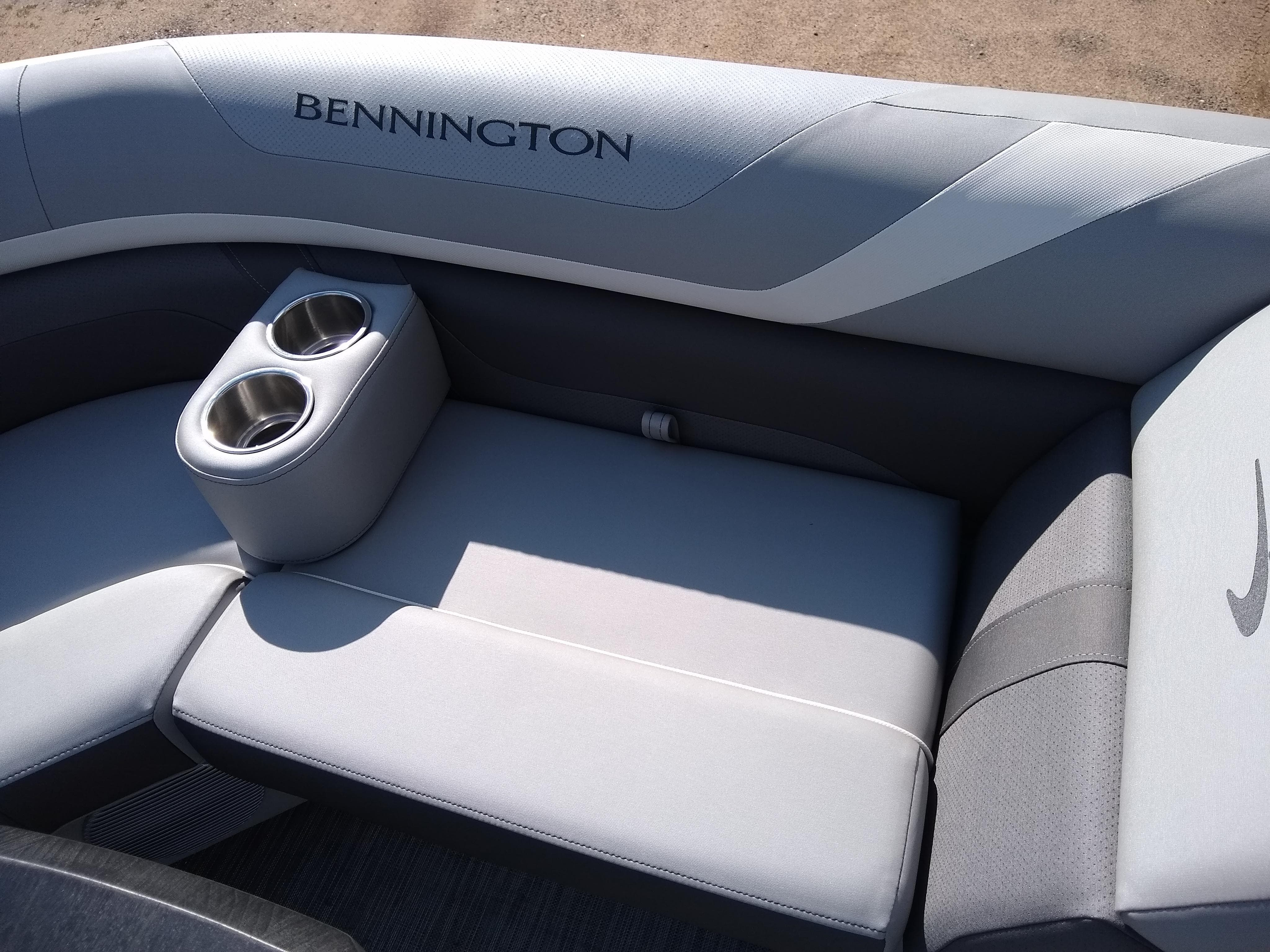 2020 Bennington boat for sale, model of the boat is SX Series 22 & Image # 6 of 14