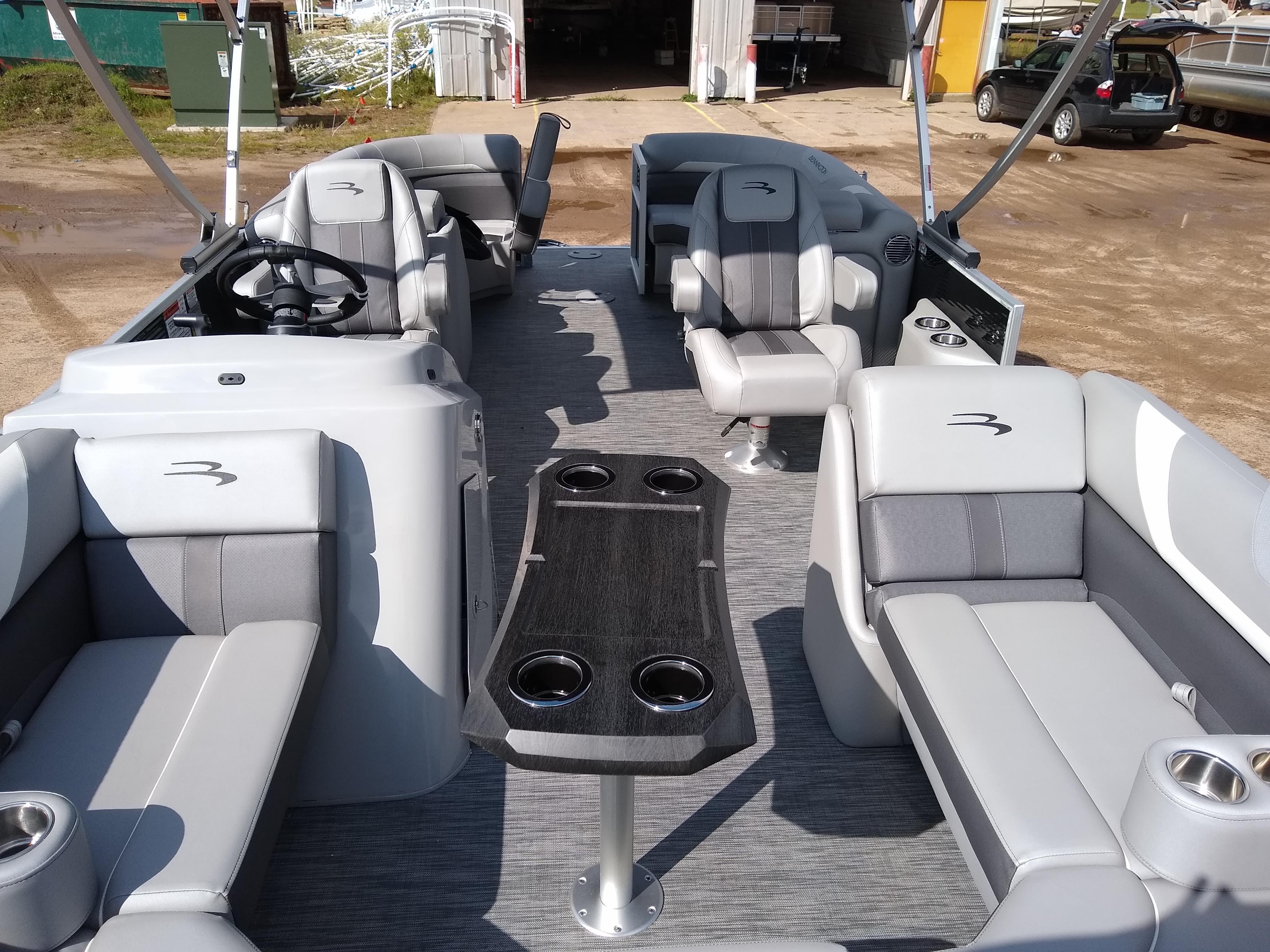2020 Bennington boat for sale, model of the boat is SX Series 22 & Image # 7 of 14