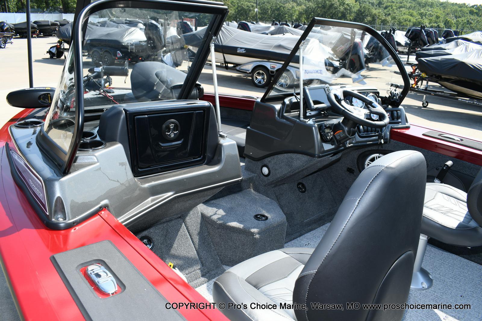 2020 Tracker Boats boat for sale, model of the boat is Targa V-18 Combo & Image # 14 of 50