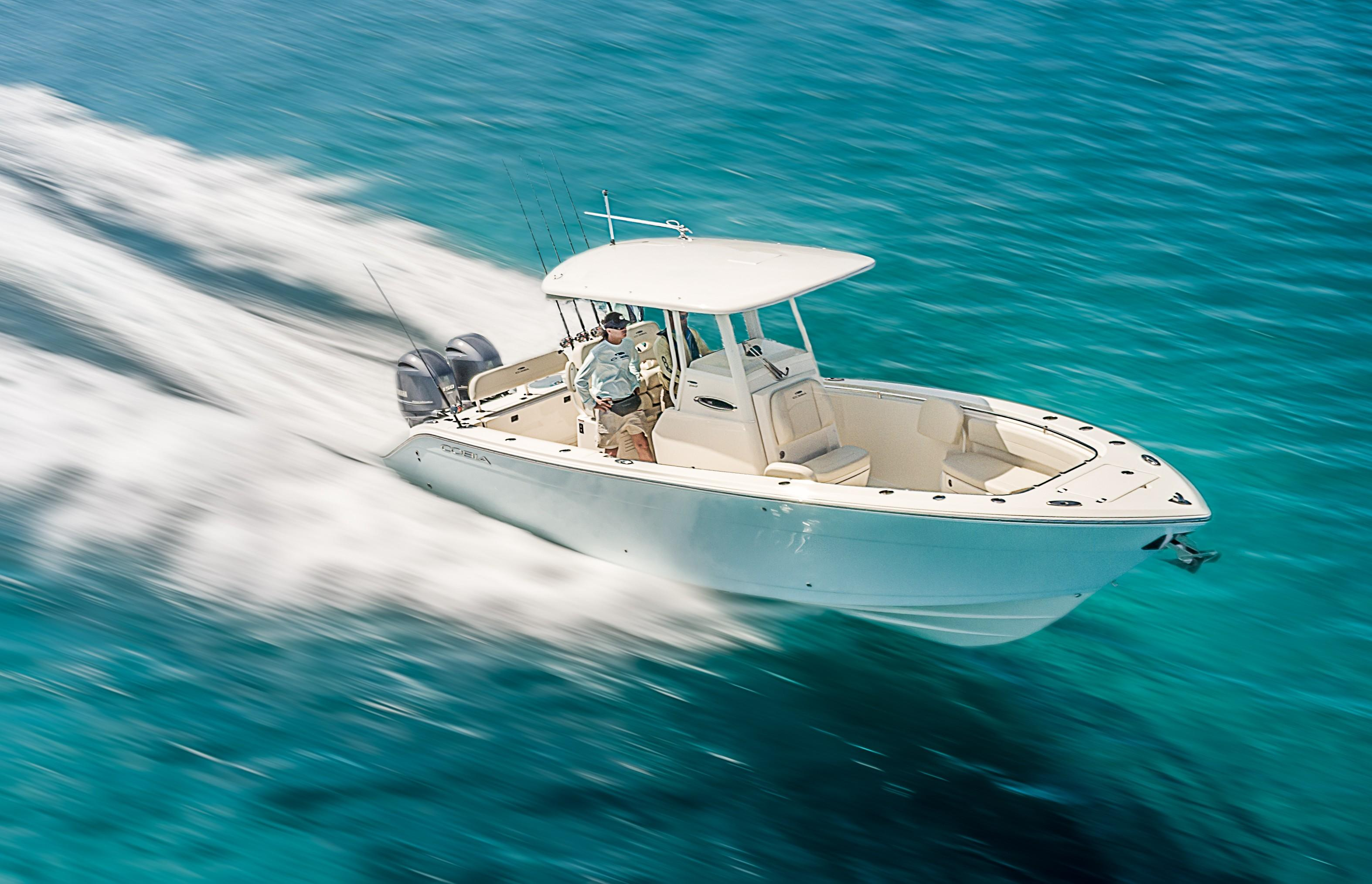 Cobia 262 Center Console - In Stock
