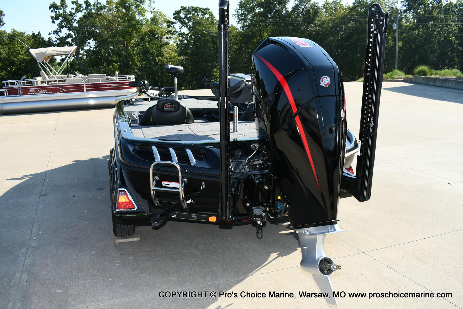 2020 Ranger Boats boat for sale, model of the boat is Z520C Ranger Cup Equipped & Image # 2 of 50