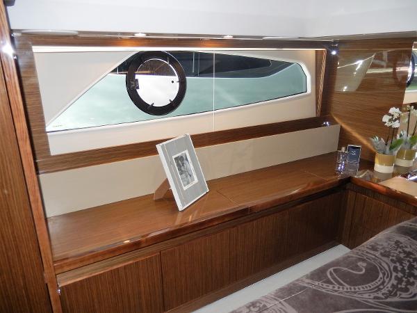 Sealine C530 hull window owners cabin