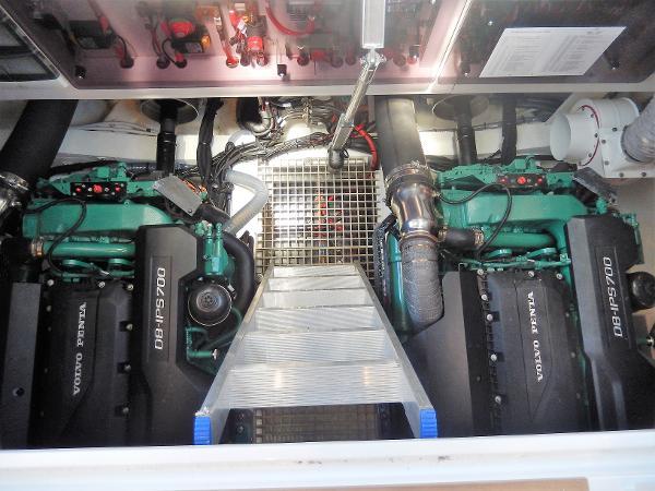 Sealine C530 engine room