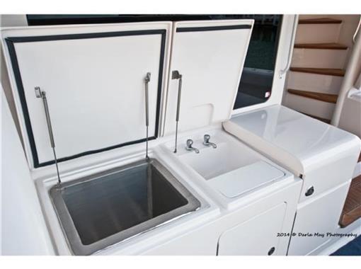 2006 63 Bertram- Stern Sink
