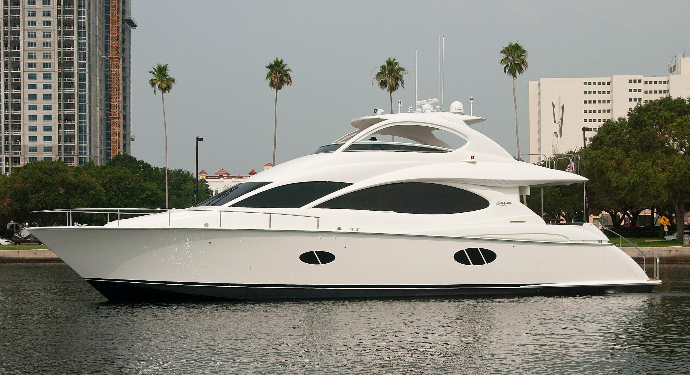 68 ft Lazzara 68 Motor Yacht