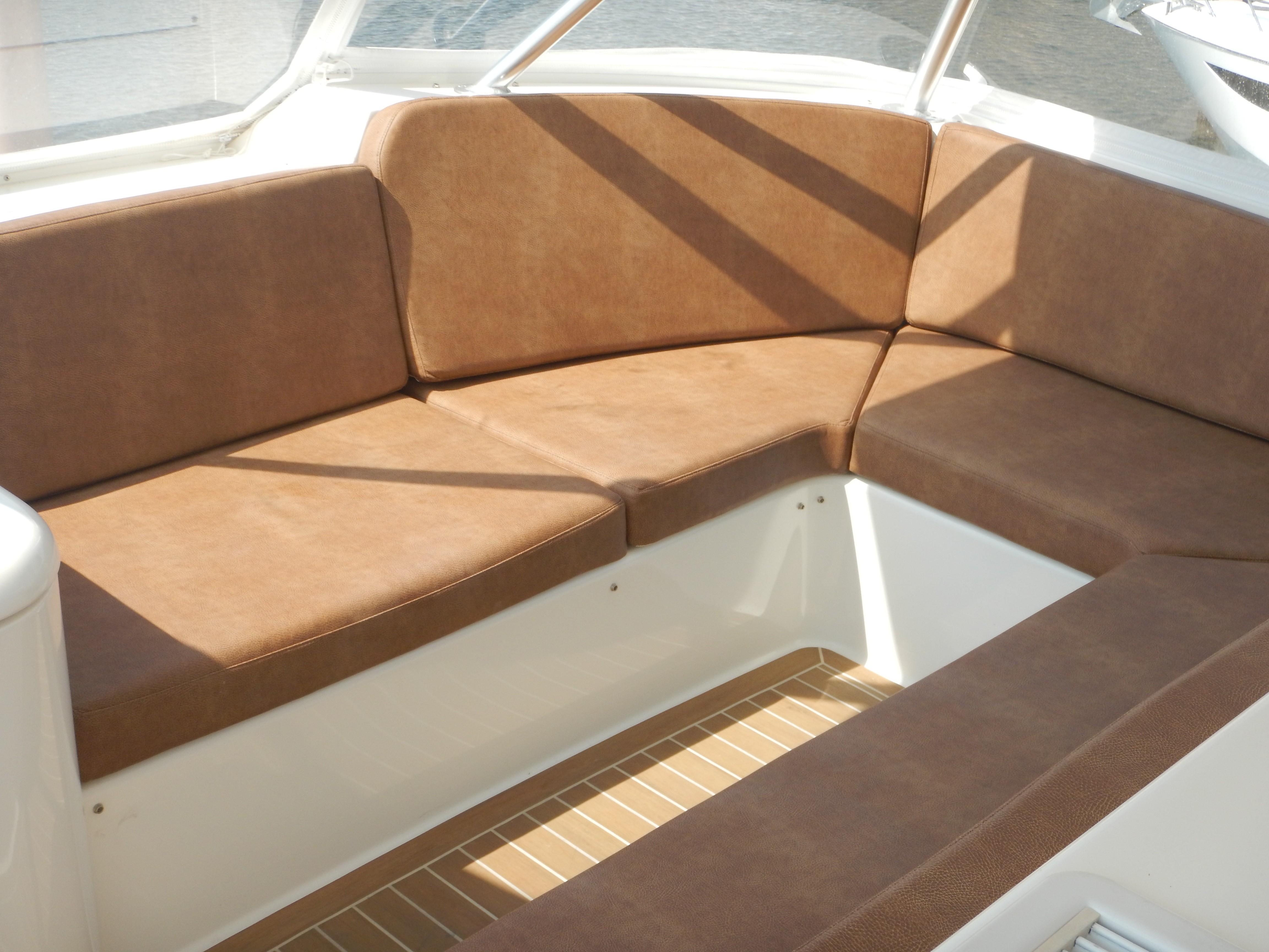 Flybridge Seating