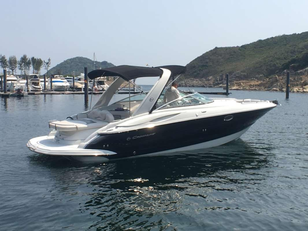 Crownline 325SS Photo