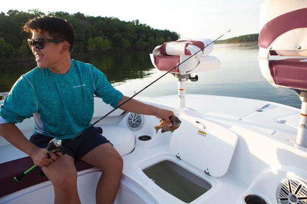 2021 Tahoe boat for sale, model of the boat is 215 Xi & Image # 58 of 58