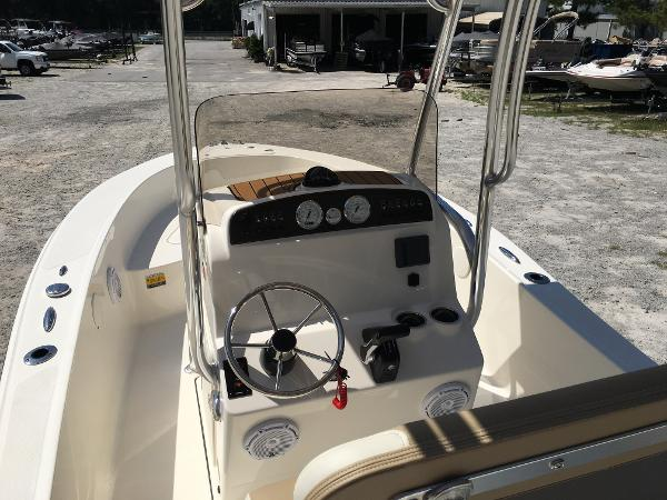 2020 Pioneer boat for sale, model of the boat is 180 Sportfish & Image # 17 of 62