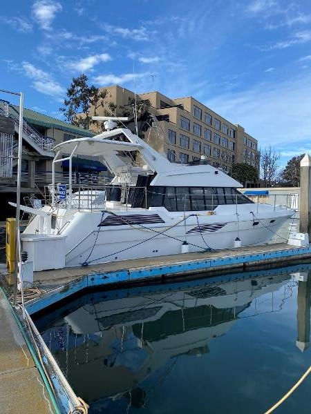 Picture Of:  43' Bayliner 4387 Motor Yacht 1991Yacht For Sale | 14
