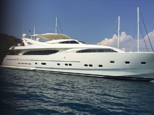 112' Ferretti Yachts 2006