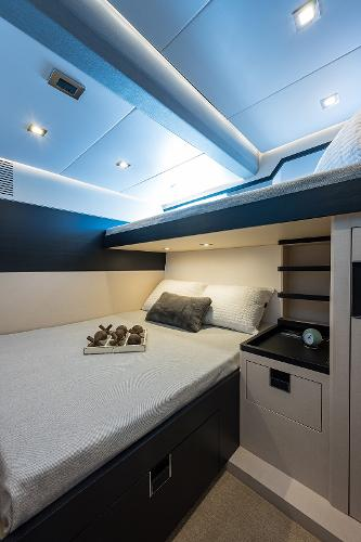 Guest SR with Double and overhead Bunk bed