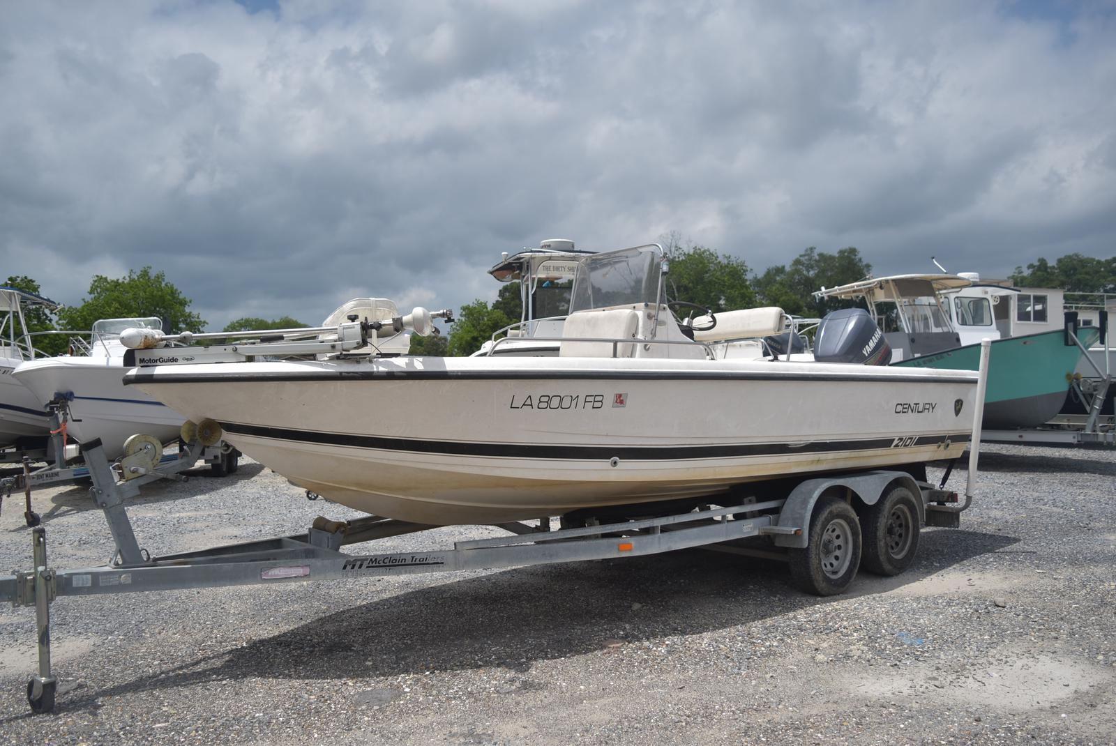 2000 Century boat for sale, model of the boat is 2101 Bay & Image # 1 of 4