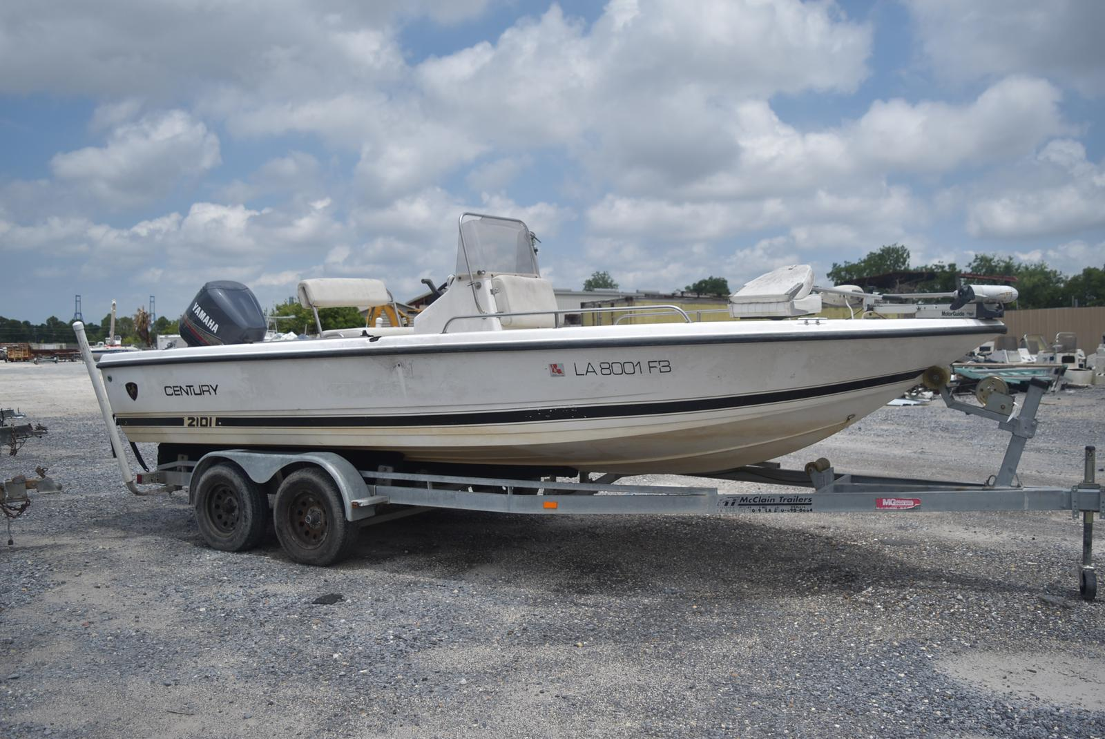 2000 Century boat for sale, model of the boat is 2101 Bay & Image # 4 of 4