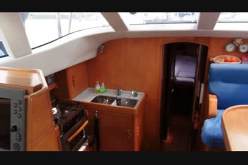 Wauquiez 43 Pilot Saloon video