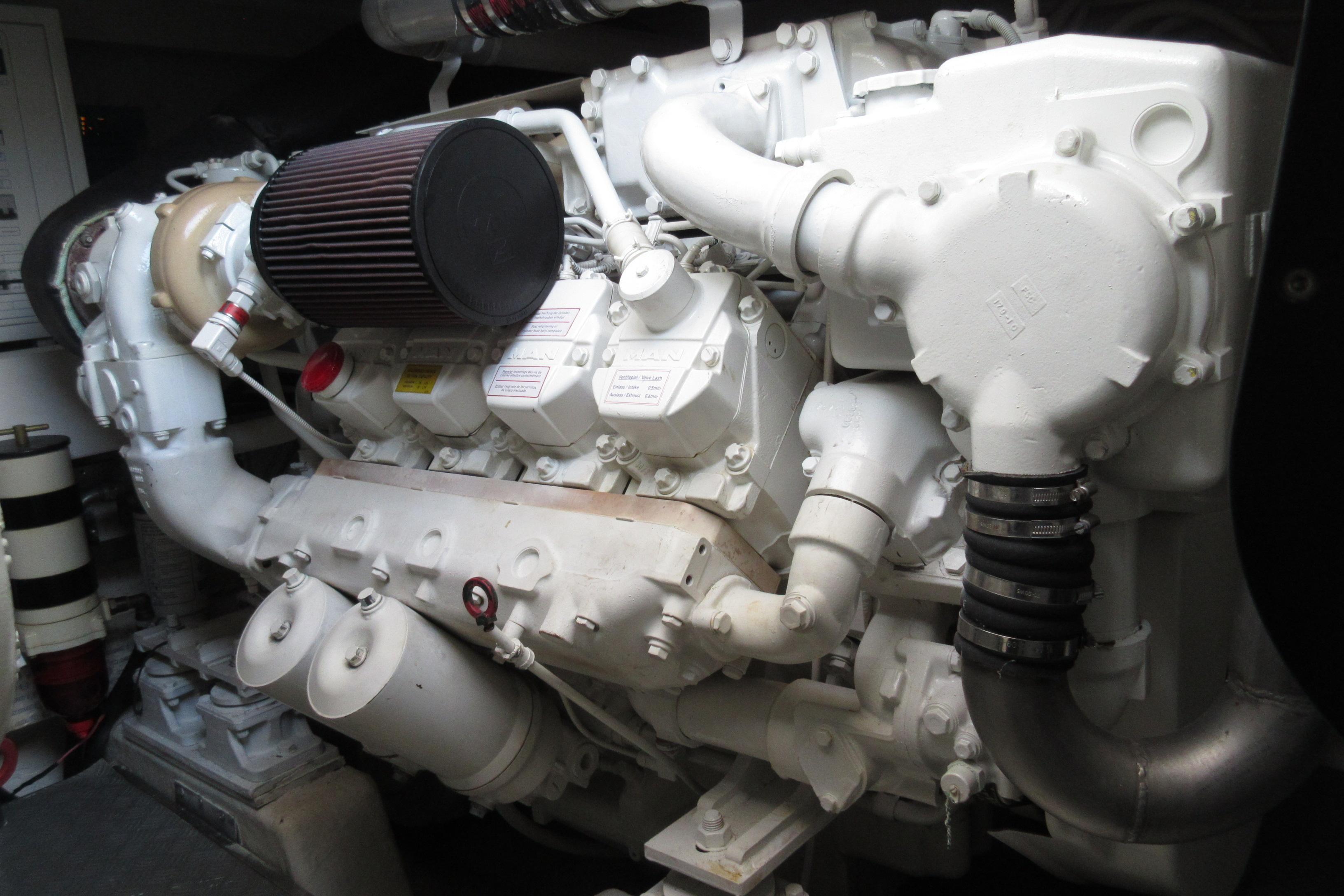 Austin Parker 54 Ketel Two Stbd Engine