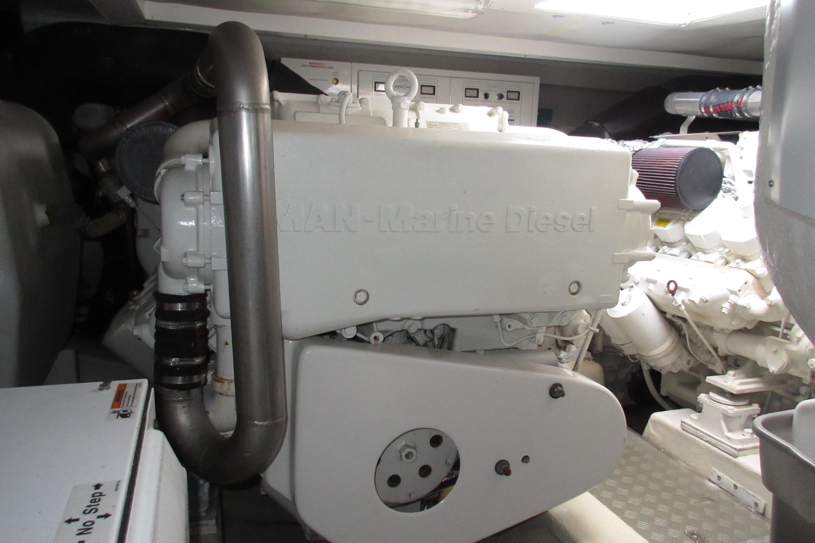 Austin Parker 54 Ketel Two Port Engine