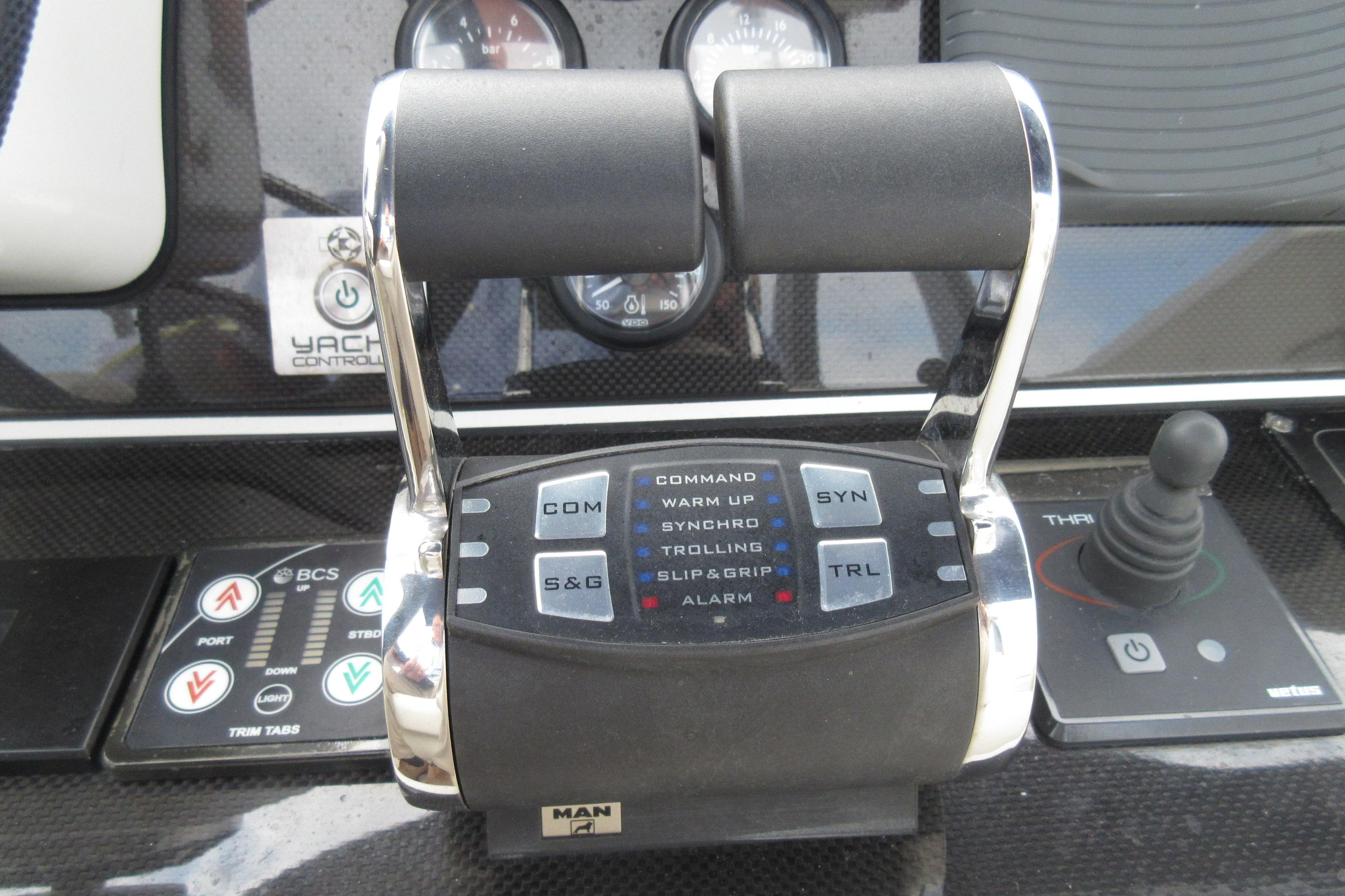 Austin Parker 54 Ketel Two Man Controls