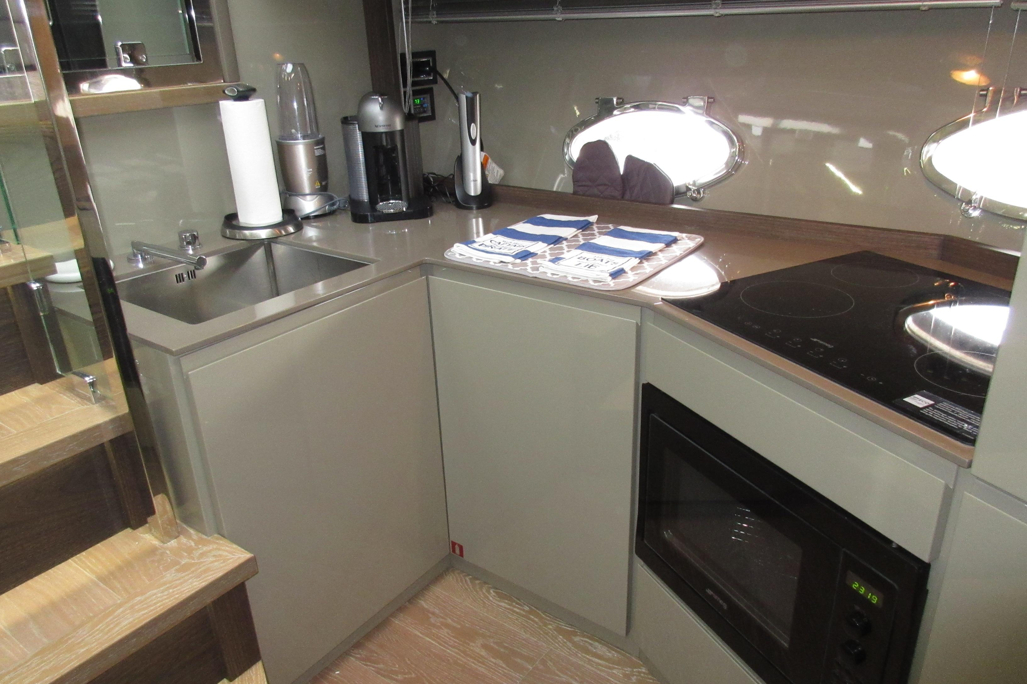 Austin Parker 54 Ketel Two Galley