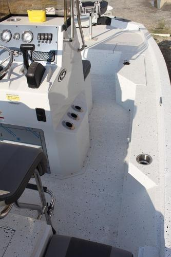 2021 Xpress boat for sale, model of the boat is H20B & Image # 4 of 9