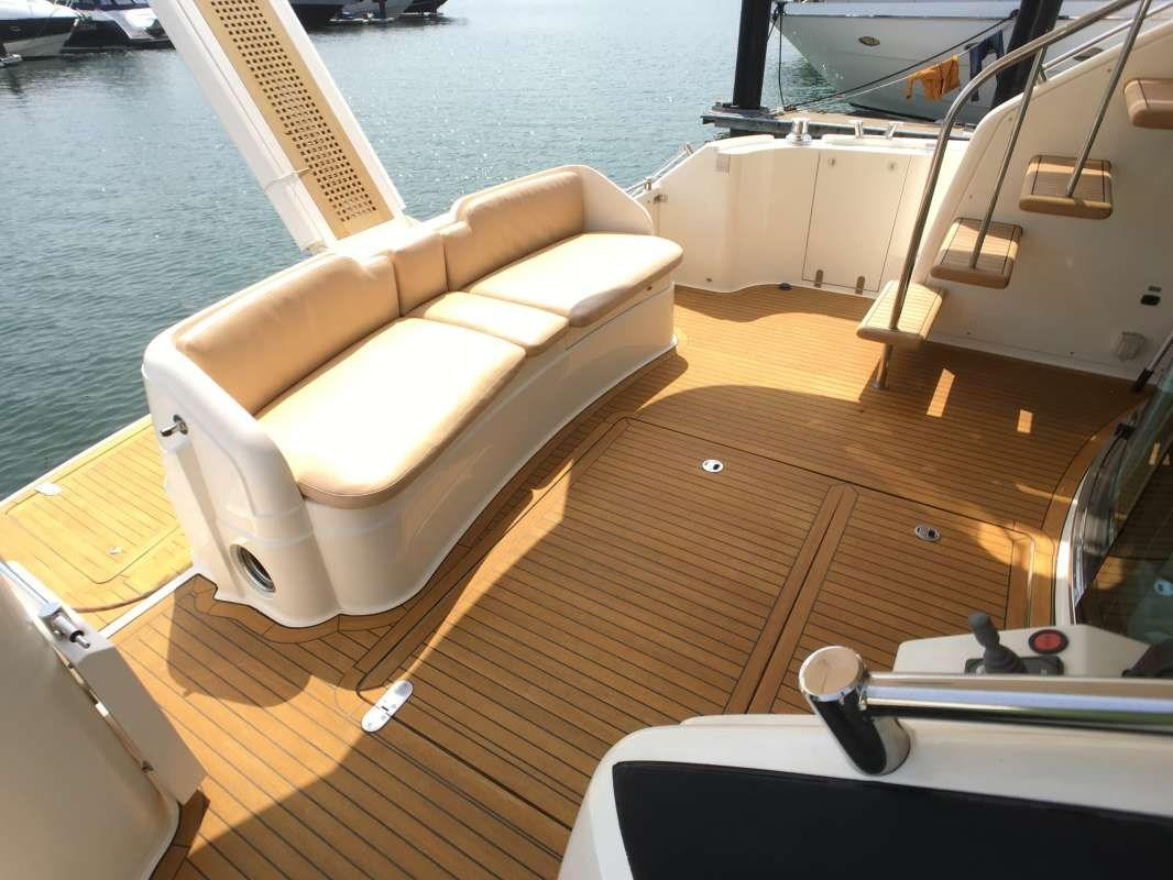 Fairline 58 Cockpit