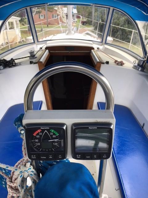 1980 Tartan 33 | Sailboats for Sale