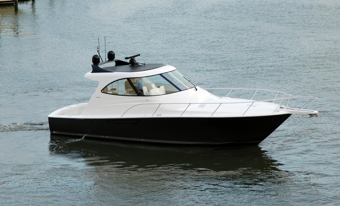2017 Viking 42 Sport Coupe