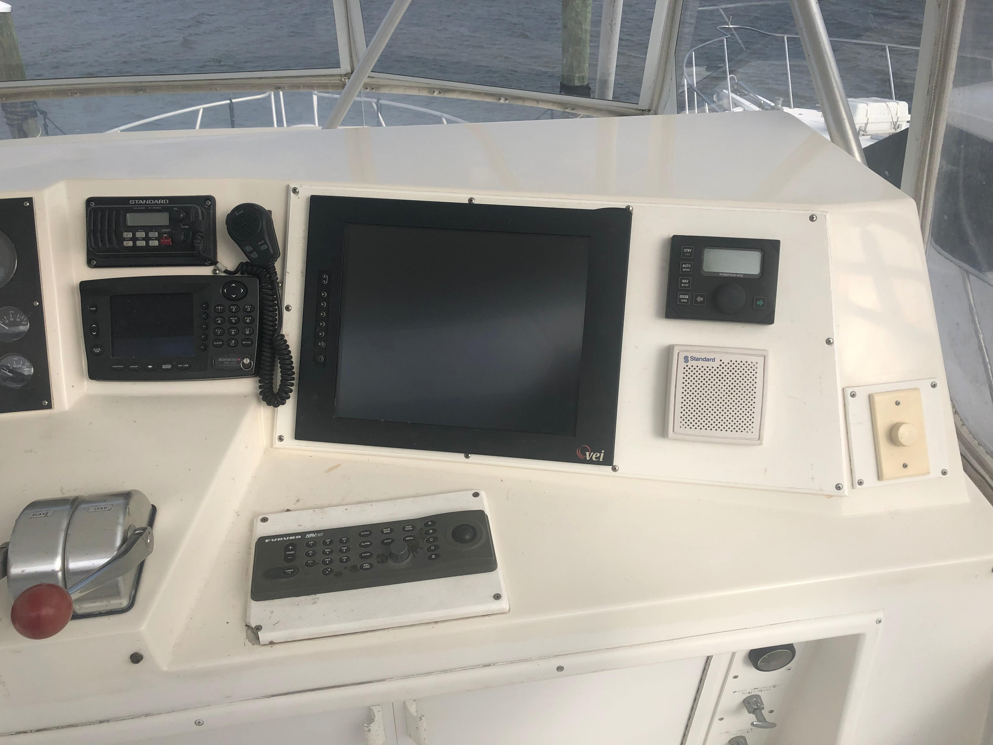 43 Viking Coupesetique 1995 Seabrook | Denison Yacht Sales