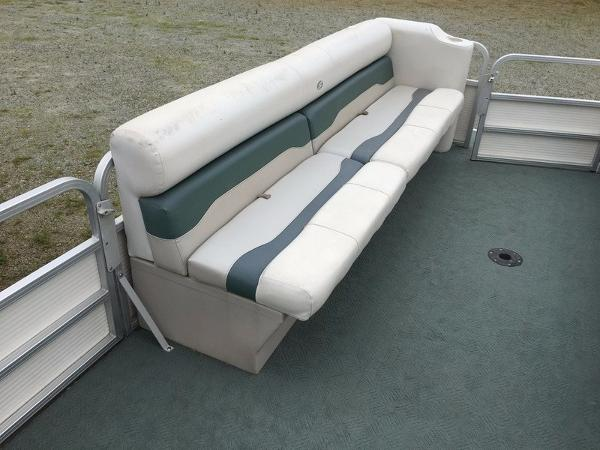 2004 Smoker Craft boat for sale, model of the boat is 824C & Image # 8 of 14