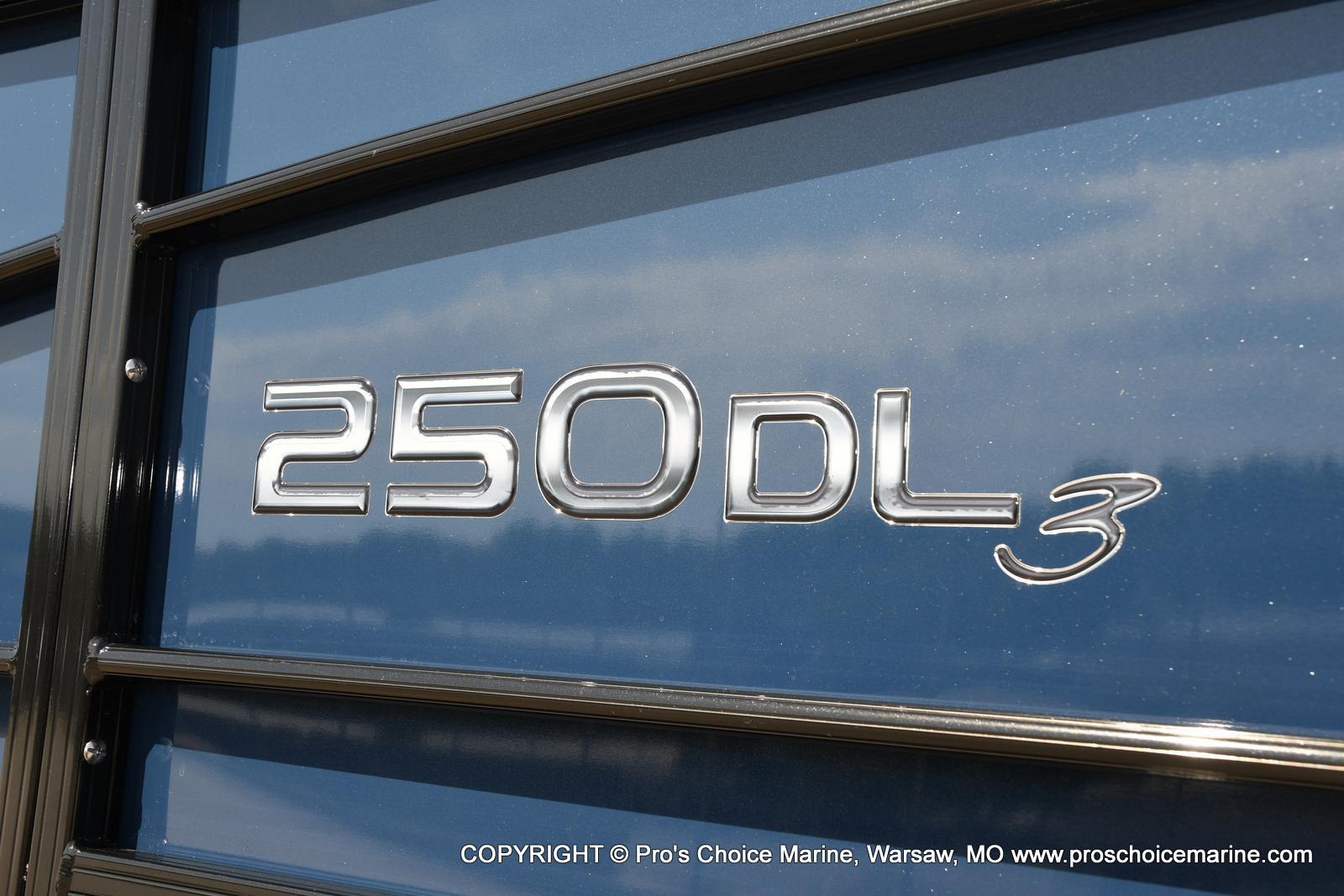 2021 Regency boat for sale, model of the boat is 250 DL3 & Image # 15 of 50