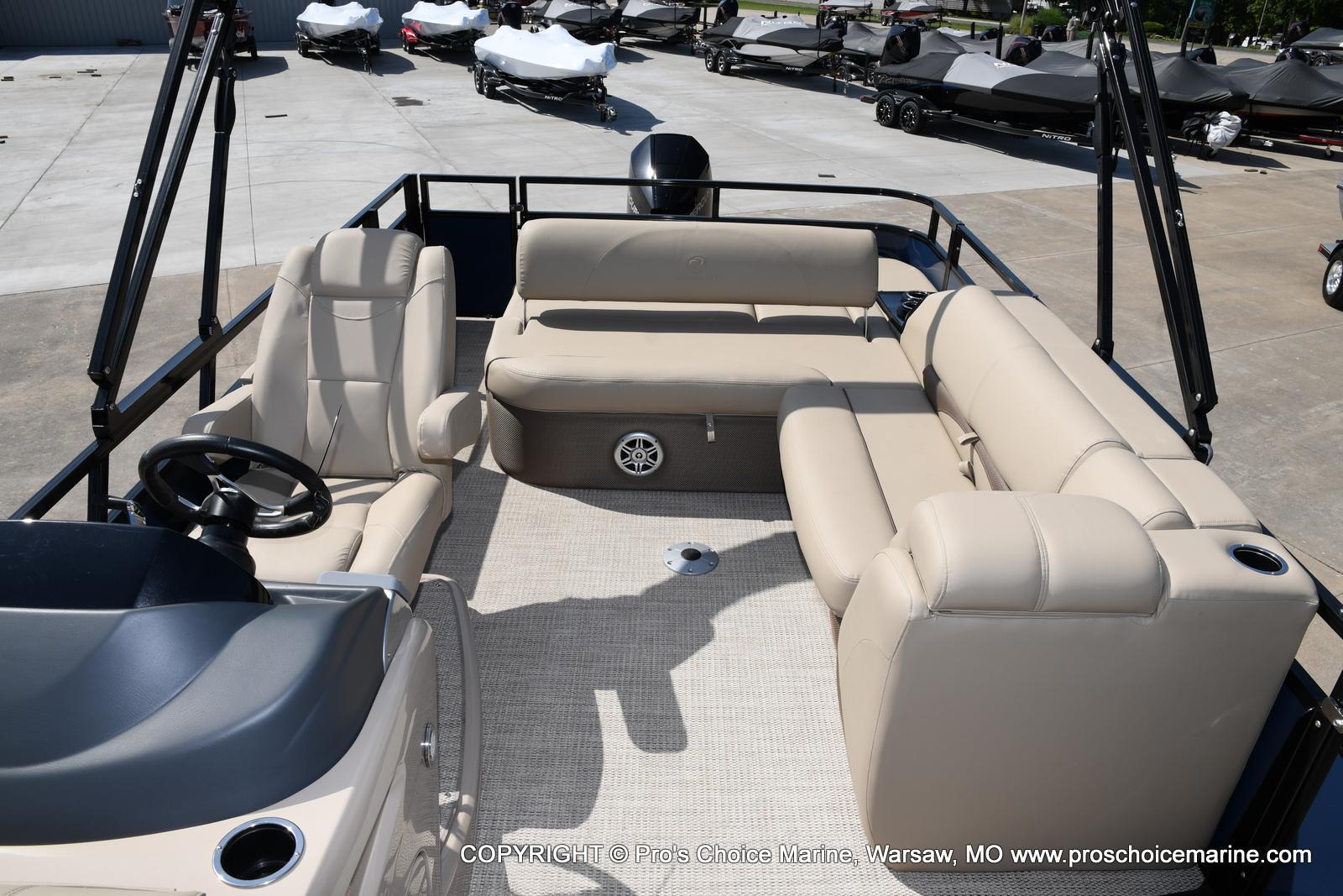 2021 Regency boat for sale, model of the boat is 250 DL3 & Image # 17 of 50