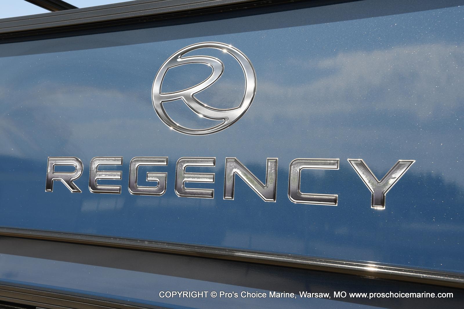 2021 Regency boat for sale, model of the boat is 250 DL3 & Image # 2 of 50