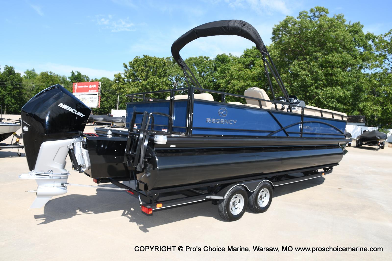 2021 Regency boat for sale, model of the boat is 250 DL3 & Image # 22 of 50
