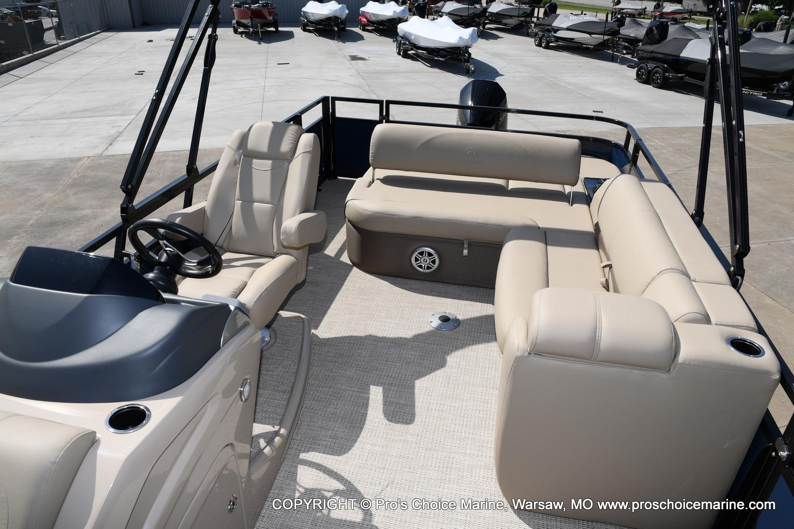 2021 Regency boat for sale, model of the boat is 250 DL3 & Image # 23 of 50