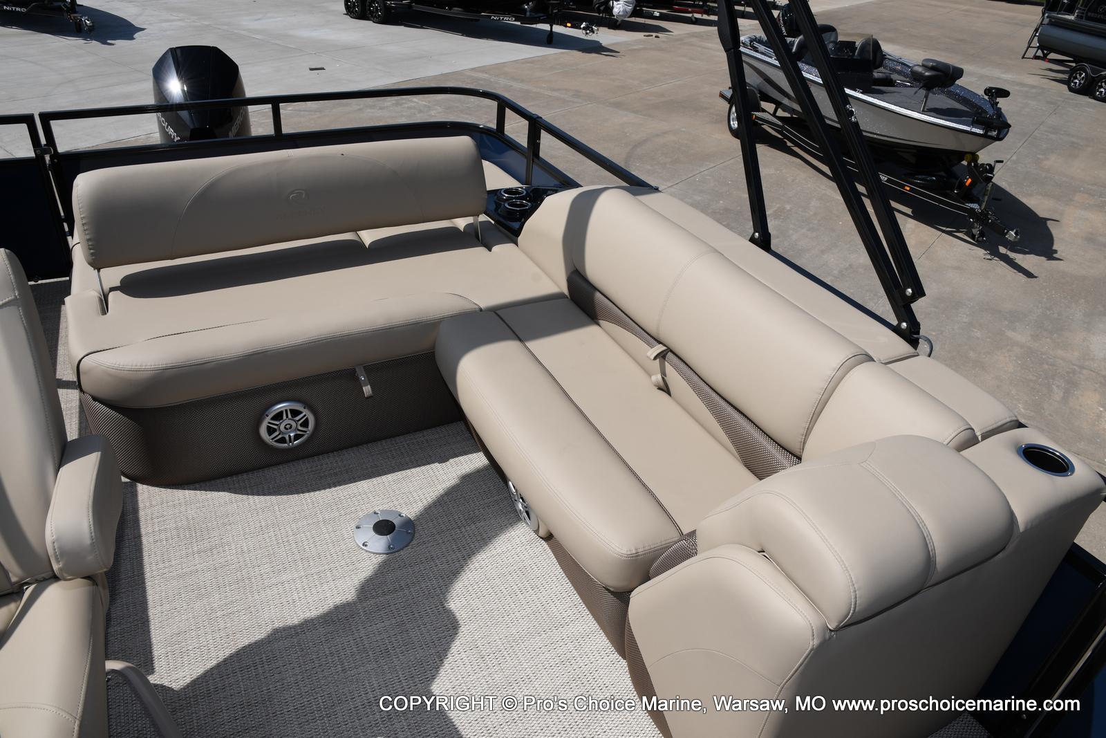 2021 Regency boat for sale, model of the boat is 250 DL3 & Image # 24 of 50