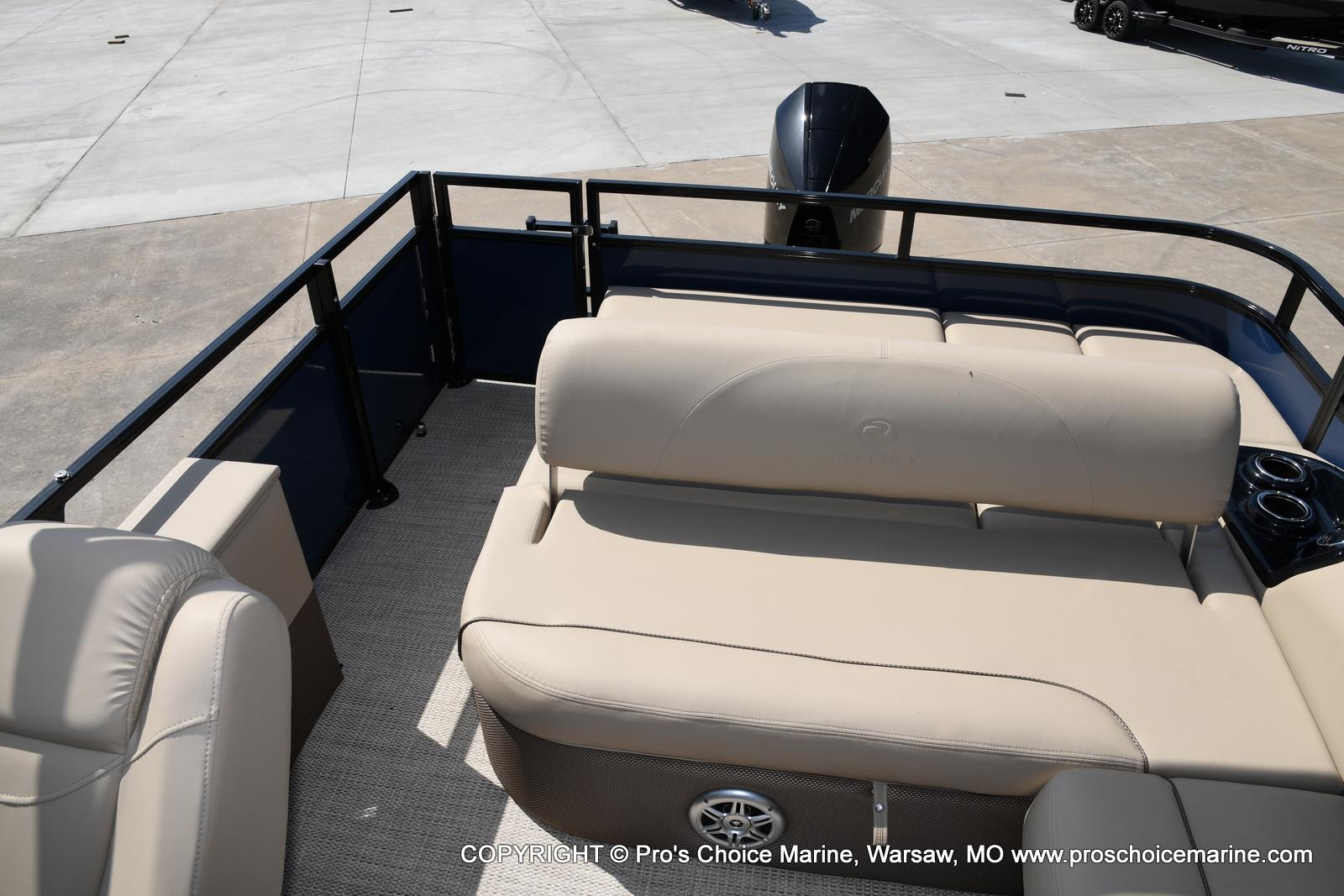 2021 Regency boat for sale, model of the boat is 250 DL3 & Image # 25 of 50
