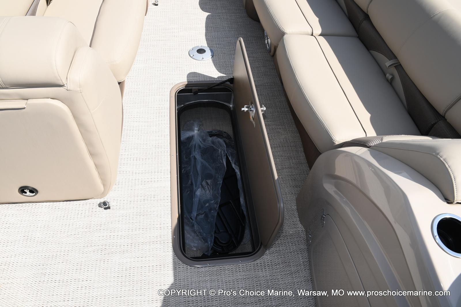 2021 Regency boat for sale, model of the boat is 250 DL3 & Image # 26 of 50