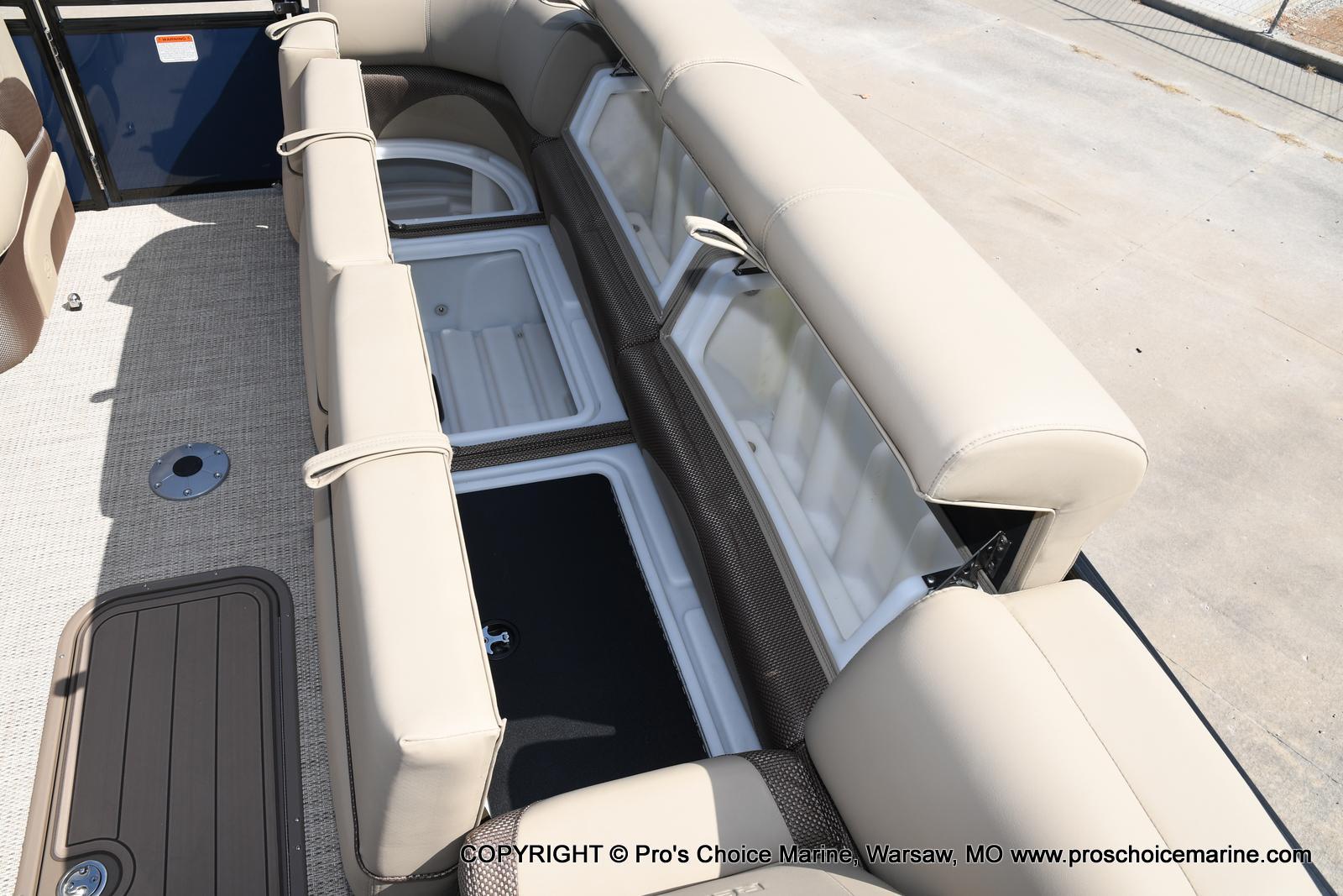2021 Regency boat for sale, model of the boat is 250 DL3 & Image # 27 of 50