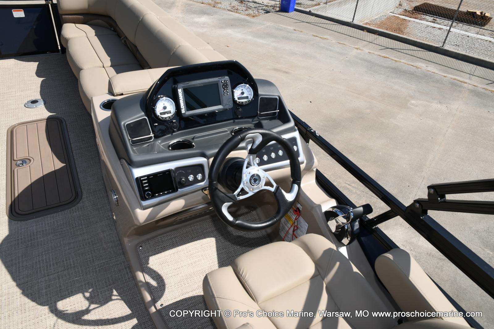 2021 Regency boat for sale, model of the boat is 250 DL3 & Image # 36 of 50