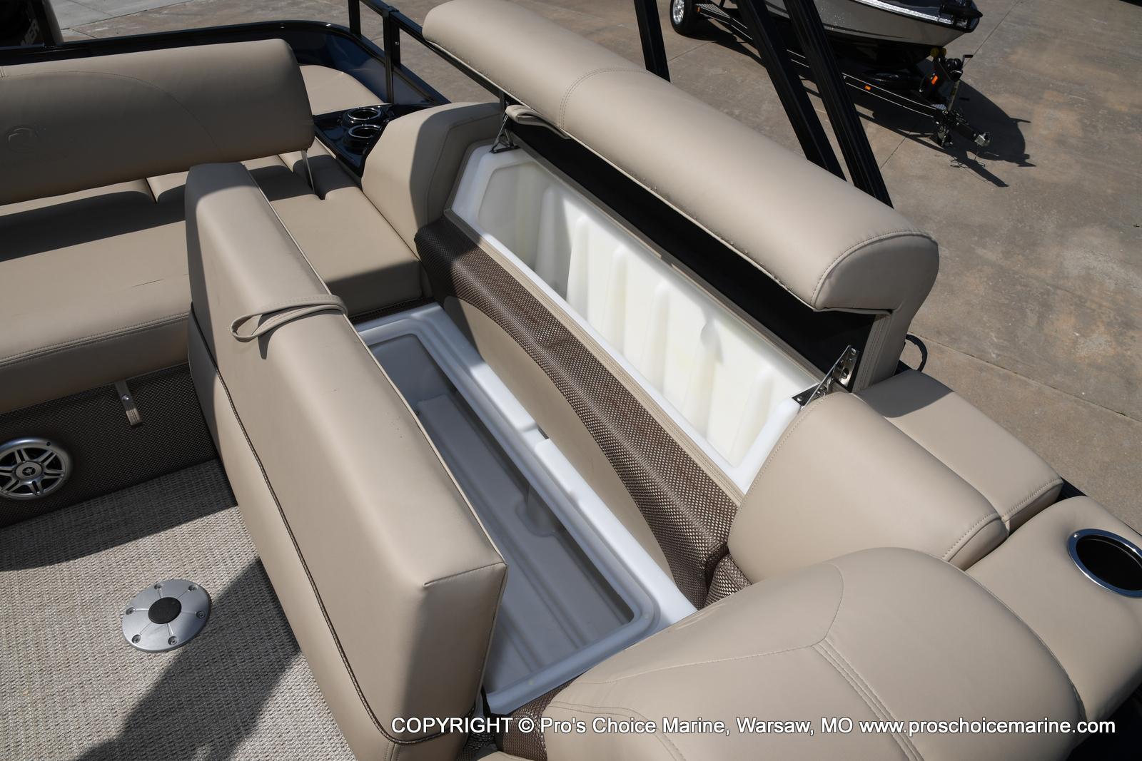2021 Regency boat for sale, model of the boat is 250 DL3 & Image # 41 of 50
