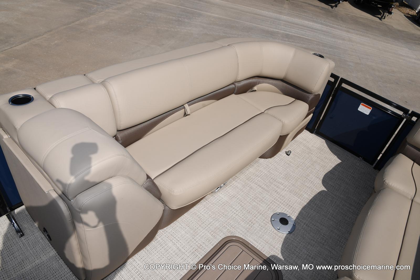2021 Regency boat for sale, model of the boat is 250 DL3 & Image # 48 of 50