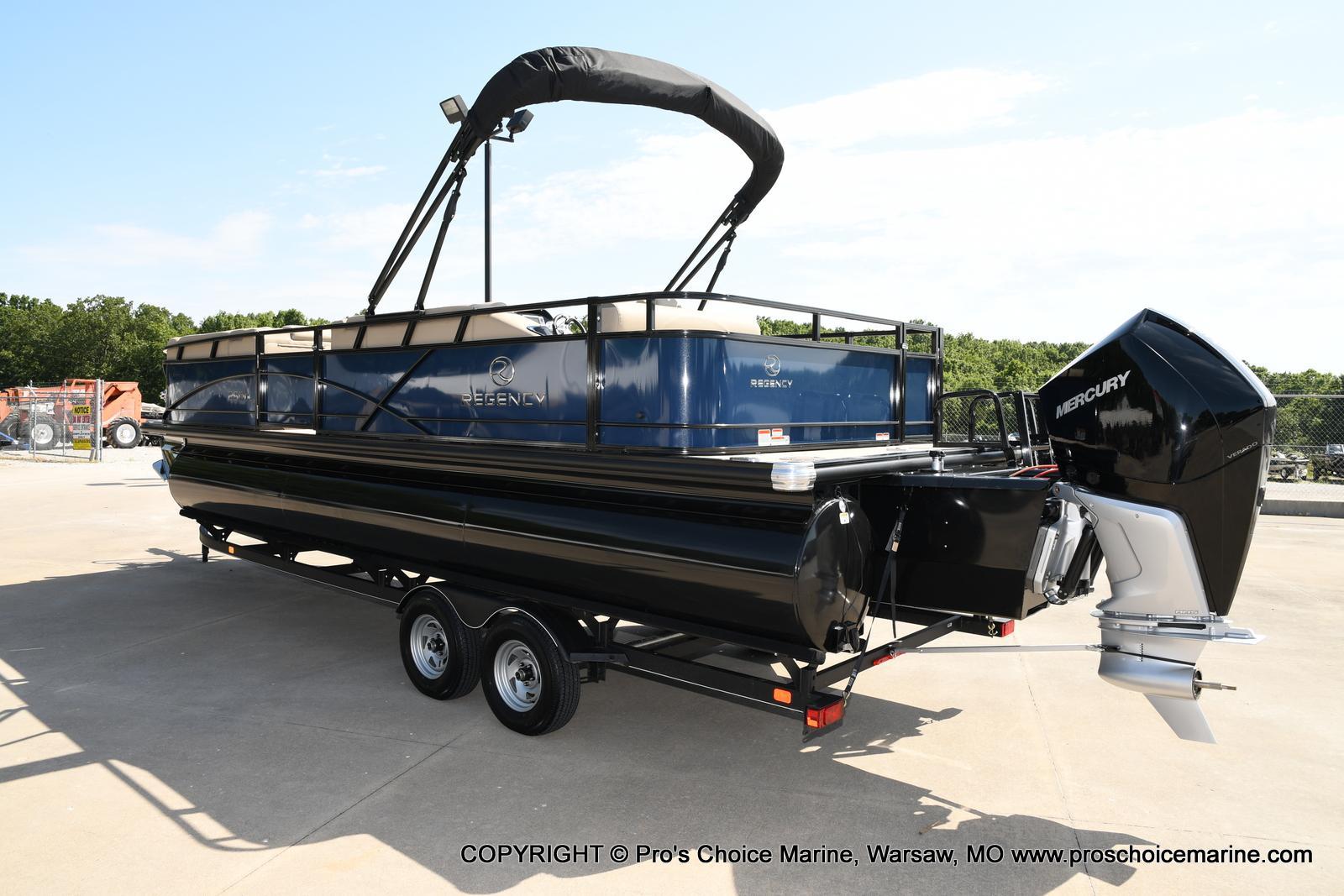 2021 Regency boat for sale, model of the boat is 250 DL3 & Image # 49 of 50